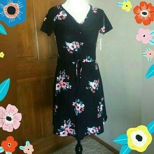 Juniors Fit & Flare Black/Floral Skater Dress NWOT